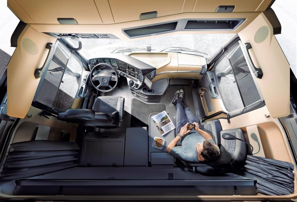 Czy kierowca TIR-a może spać w kabinie?